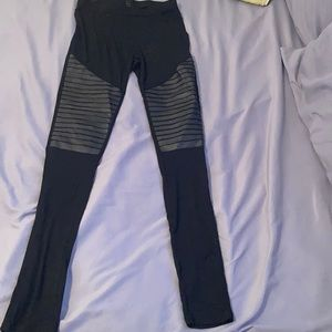 High waisted thin leggings with faux leather